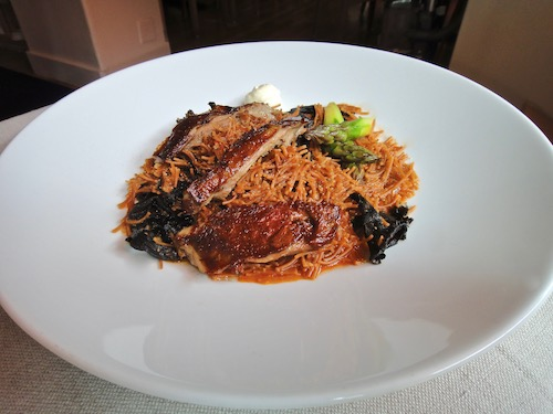 "Fideo, roasted and served with Iberian pork ""a la plancha"""